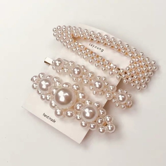 Accessories - Gorgeous hair clips 3 pieces set pearl